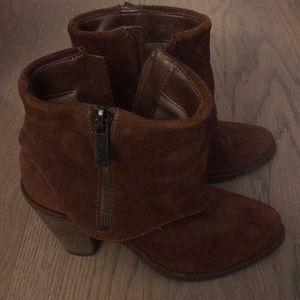 Jessica Simpson camel color suade booties!